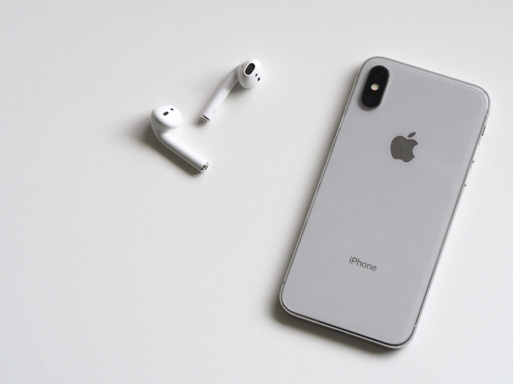 10 proven ways on how to clean AirPods (with case cover)